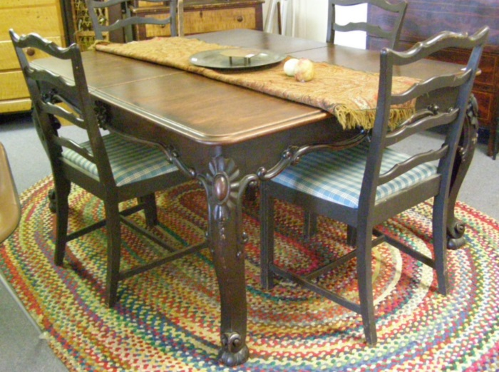 Carved Victorian Dining Table 5 X 4 With Four 15 Leaves